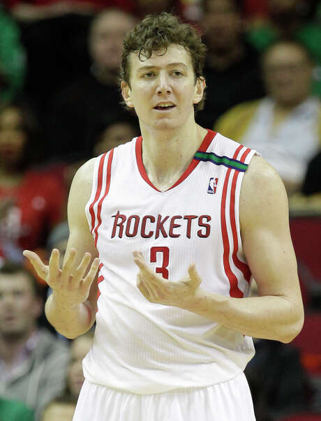 Rockets coach Kevin McHale is not concerned about any trepidation Omer Asik might have about Dwight Howard coming aboard. Photo: Melissa Phillip, Staff / © 2012 Houston Chronicle