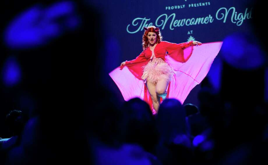 Burlesque artist Lady Francescca of Sweden performs during the Newcomer Night of the first international Berlin Burlesque Festival in Berlin, Germany, Thursday, Sept. 19, 2013. The artists from overseas take part in the four-day festival which includes three different evening shows. Photo: AP