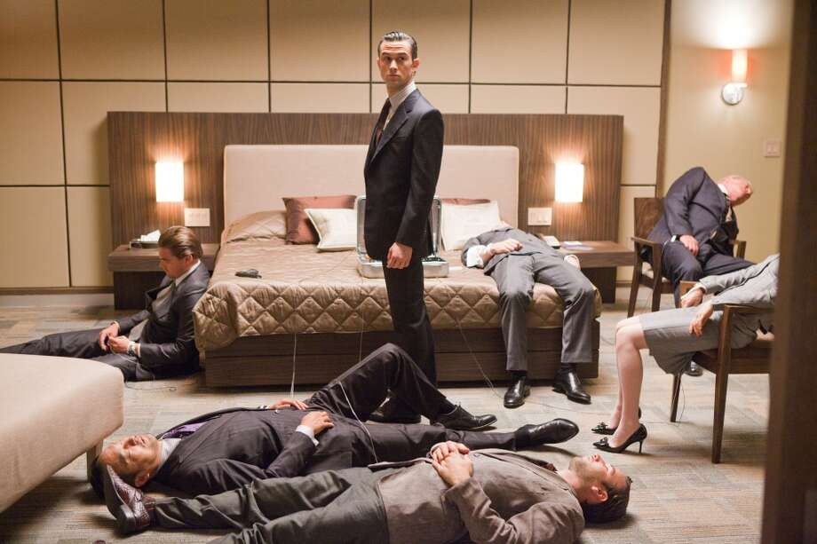 "In ""Inception,"" Leonardo DiCaprio and co. ponder concepts from Descartes. Photo: Stephen Vaughan, Warner Bros. Pictures"