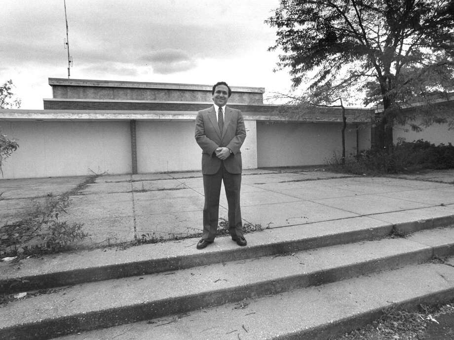 Rabbi Robert Lennick, the spiritual leader of the Greenwich Reform Synagogue, stands in front of what was the main entrance of the Parkway School on Oct. 3, 1988. The synagogue was selected by selectmen as the school building's next tenant. Photo: Greenwich Time
