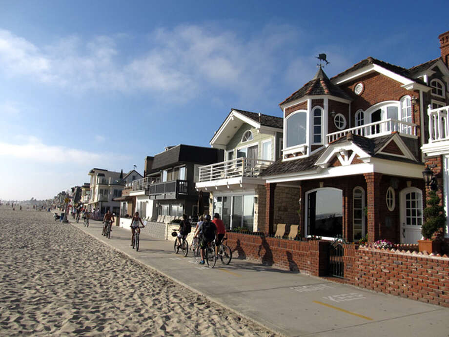 #3 Newport Beach, CA: The picturesque beachside community of Newport Beach boasts sun, sand, and serious fashion potential. Source: Flickr user Ken Lund Photo: .