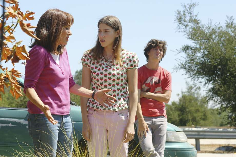 "The awkwardly lovable, middle-class family from ""The Middle"" makes us feel better about all the weird things our family does that we are afraid to talk about. The show debuted in 2009. Photo: Getty Images"