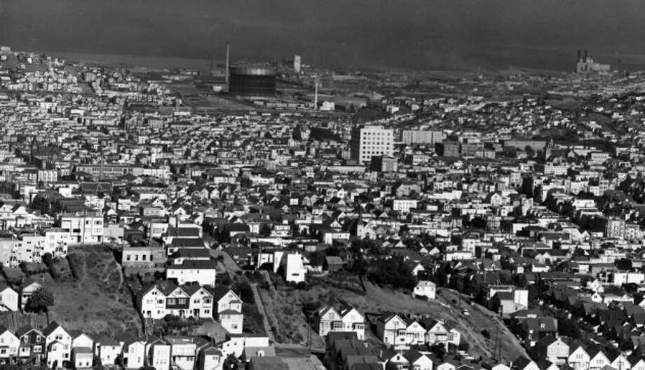 Pretty sure this is Potrero Hill, looking east. (UPDATE: Readers corrected me -- it's closer to Noe Valley.) I'm guessing this was a middle class neighborhood with lots of kids in 1958. Photo: Duke Downey, The Chronicle