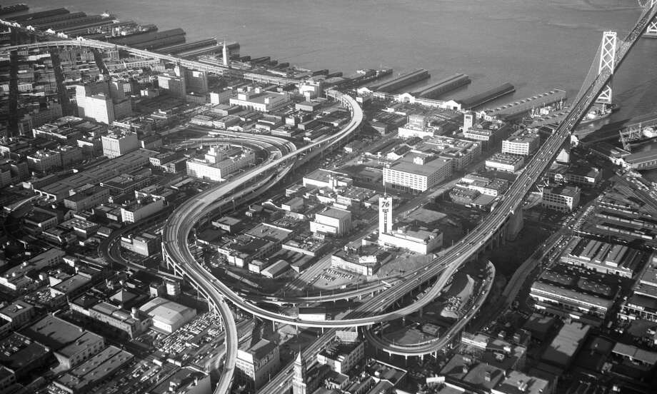 I'm old enough to remember when that Union 76 clock tower was the most visible structure coming off the Bay Bridge into San Francisco. Now the Rincon Tower and other construction dominates this area. Photo: Duke Downey, The Chronicle