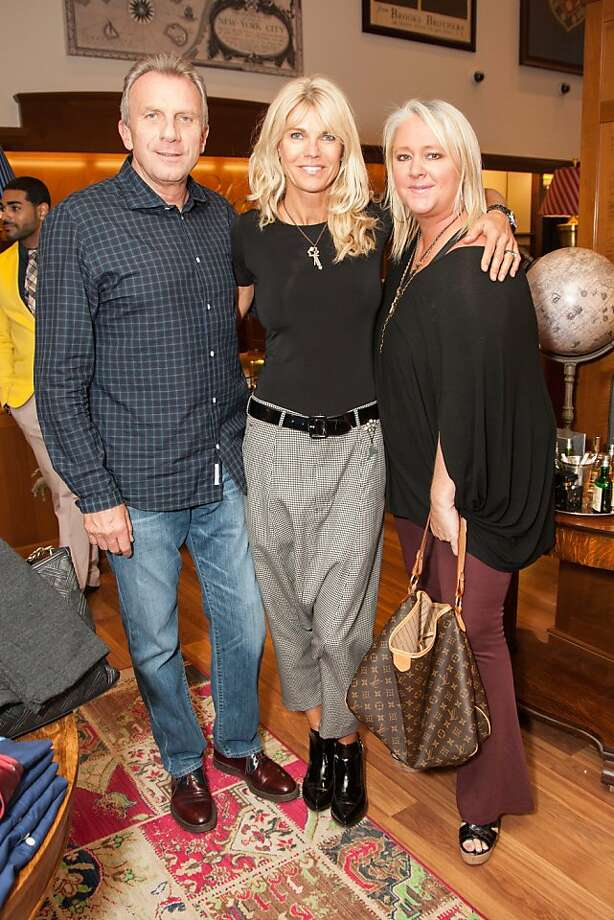 Joe Montana, Jen Montana and Lori Puccinelli Stern attend the Brooks Brothers San Francisco Fall Antiques show on Tuesday, Sept. 24. Photo: Drew Altizer Photography/SFWIRE, Tara Luz Stevens For Drew Altize