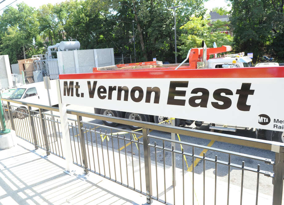 The Mount Vernon East, N.Y., Train Station, Thrusday, Sept. 26, 2013. A damaged high-voltage feeder cable affected Metro-North rail service on the New Haven Line. Photo: Bob Luckey / Greenwich Time