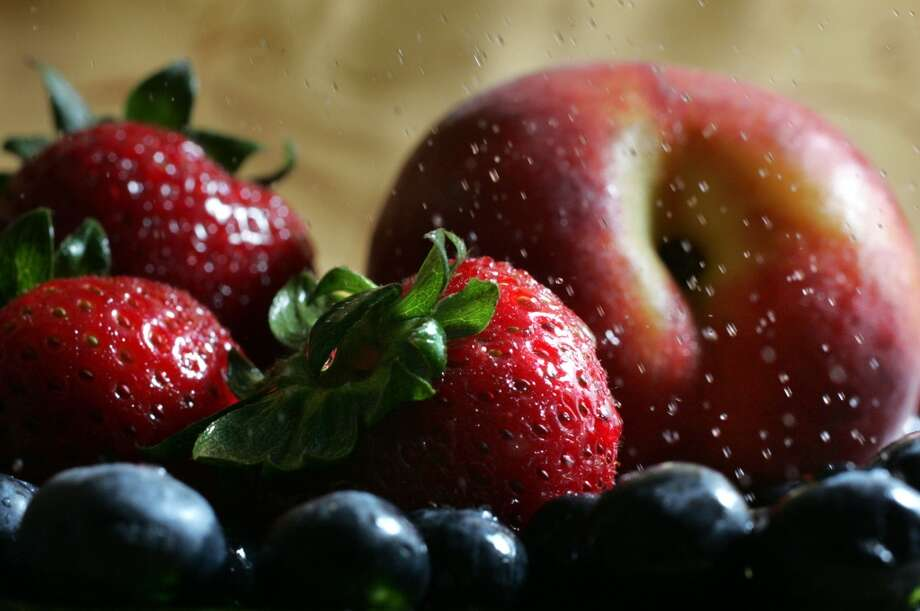 (tie) 4.Fresh fruit: 8% Photo: Janet Jensen, MCT