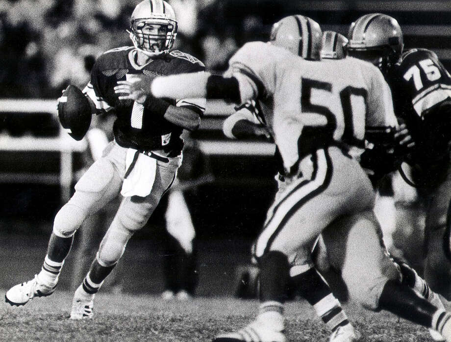 Before taking over at Jefferson, Doyle Redding was a QB at Lee in 1986. Photo: Express-News File Photo