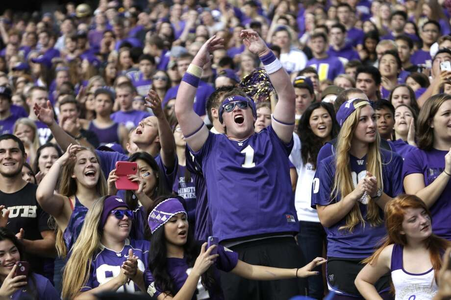 Five things to watch: Arizona Wildcats (3-0) at Washington Huskies (3-0)Saturday, Sept. 28 | 4 p.m. PDT | Husky Stadium, Seattle | TV: FoxWashington fans have had a lot to cheer about through the first three games of the 2013 season. Steve Sarkisian's Dawgs emerged from their nonconference schedule undefeated, sporting one of the best offensive attacks in the nation, and mostly healthy.  But now it's time for the real season to start, as the Huskies open their Pac-12 schedule against the 3-0 Arizona Wildcats on Saturday at Husky Stadium. Click through the gallery to see what storylines we'll be looking for in this battle of Pac-12 undefeateds. Photo: Elaine Thompson, Associated Press
