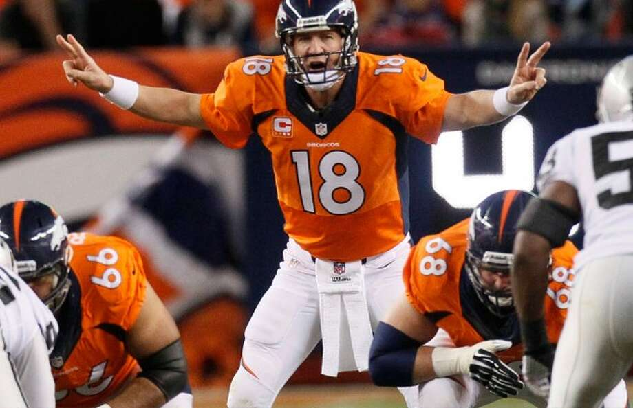 Manning figures to fly by the Eagles and keep his Broncos undefeated.
