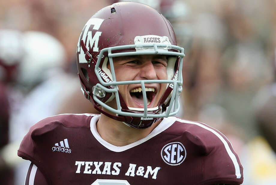 Manziel remains the favorite weekend wagering prop for Floyd Mayweather.  And apparently the return is all smiles.