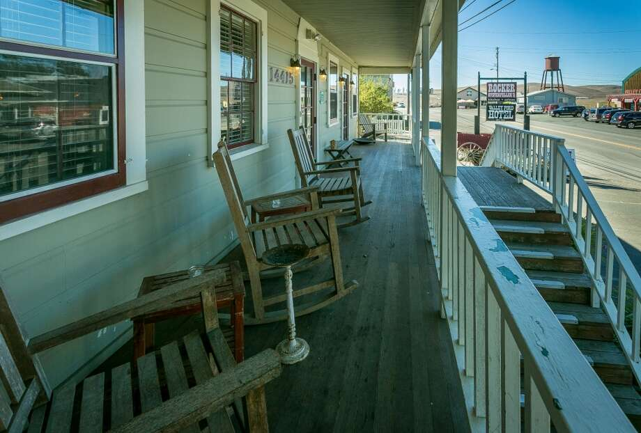 The porch at Rocker Oysterfeller's In Valley Ford. Photo: John Storey, Special To The Chronicle