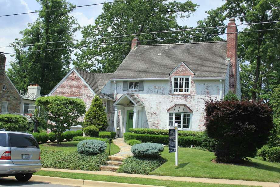 Katherine Salantâ S Childhood Home In Belle Haven A Subdivision South Of Alexandria