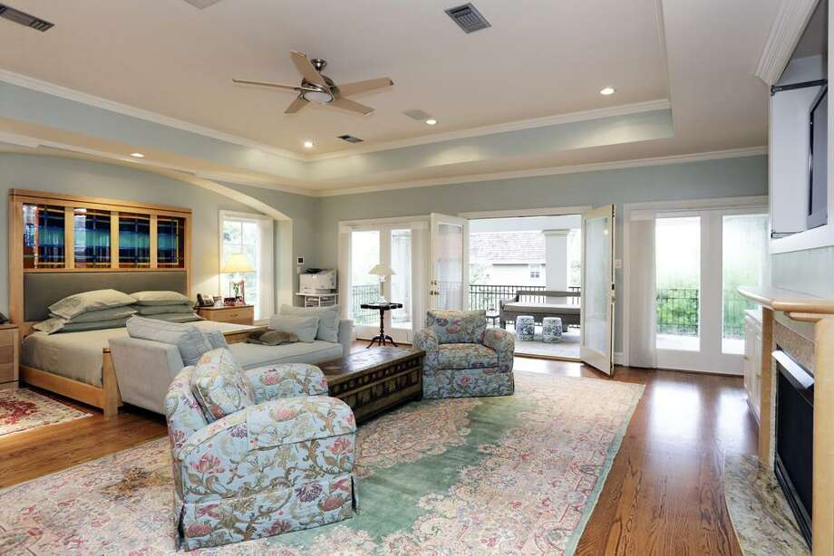 Listing agent: Jennifer Pye