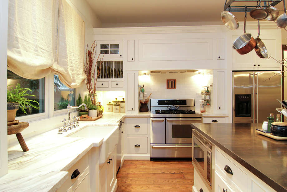 Listing agent: Lisa Kornhauser
