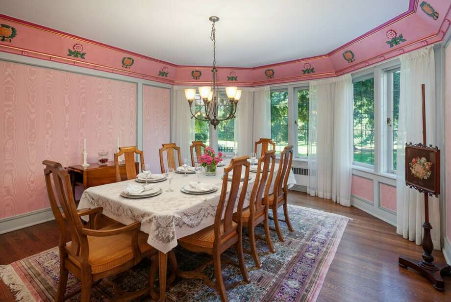 Dining room of 2045 Parkside Drive E. It's listed for $2.15 million. Photo: Aaron Leitz, Courtesy Lisa Turnure, Coldwell Banker Bain