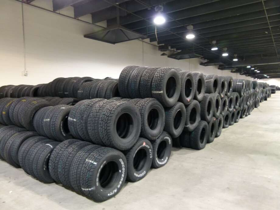 Tire barriers Photo: John De Layre