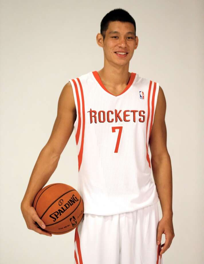 Jeremy Lin poses for photos. Photo: Scott Halleran, Getty Images