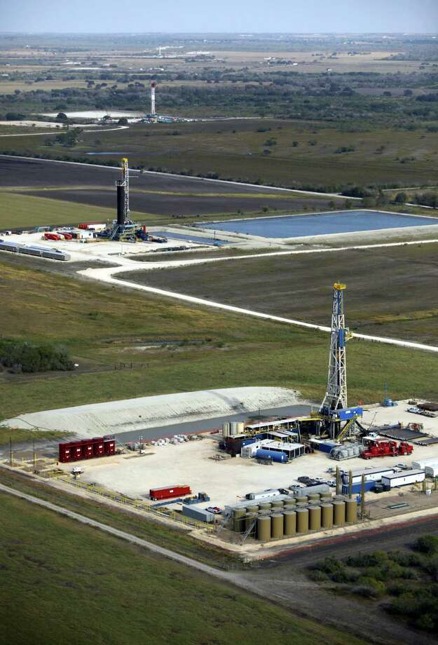 The distance between wells in the Eagle Ford Shale varies. Operators are looking at 40 acres as the next step. Photo: Express-News File Photo