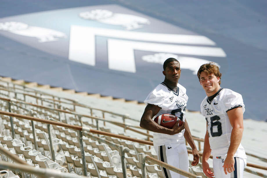 Rice receiver Dillard,  the NCAA record holder for touchdown catches and a former Sam Houston High standout,  and quarterback Clement,  a one-time Alamo Heights star, perched the Owls on the edge of their first 10-win season since 1949 and first bowl victory since 1954 — despite spanning three head coaches in four seasons. Photo: Sharon Steinmann, Houston Chronicle / © 2008 Houston Chronicle