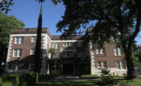 The Toltec Apartment building has come full circle since it debuted in 1913 as one of the city's first apartment buildings. Read More Photo: JOHN DAVENPORT, SAN ANTONIO EXPRESS-NEWS / ©San Antonio Express-News/Photo may be sold to the public