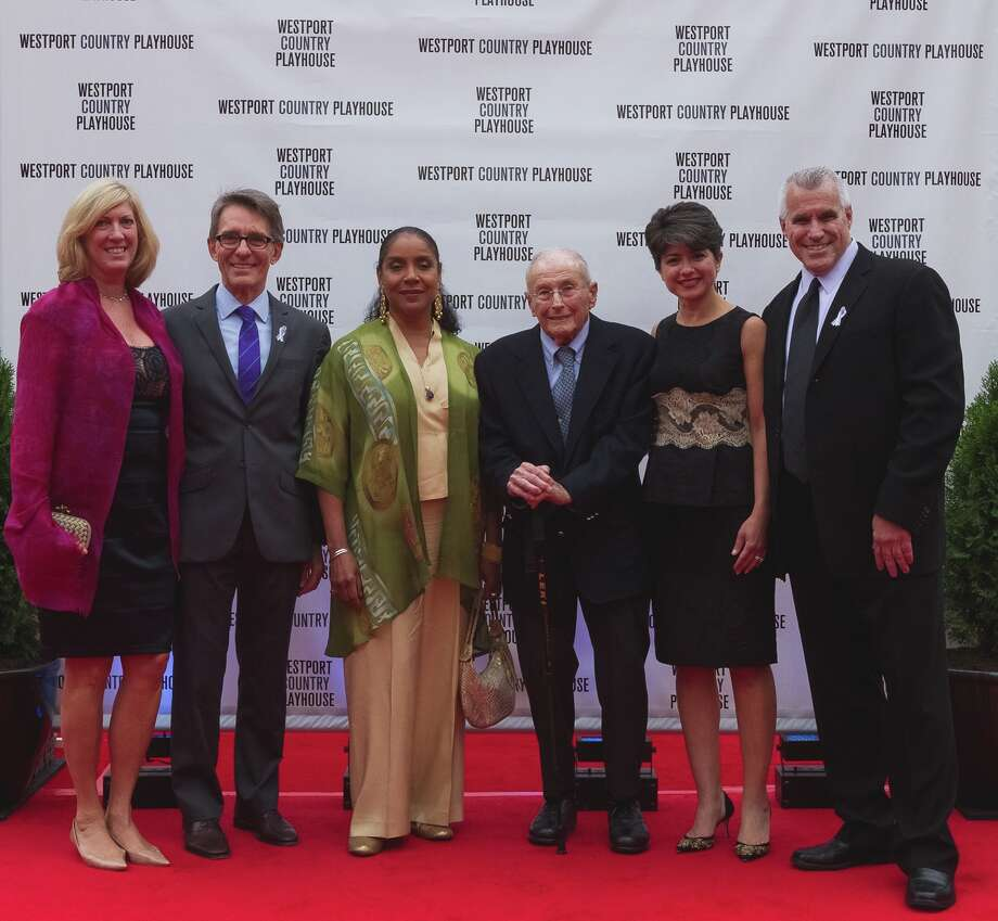 Judy Phares (Gala co-chair), Mark Lamos (artistic director), actress and honoree Phylicia Rashad,Howard J. Aibel, Katia Friend (Gala co-chair), Michael Ross (managing director) at Westport Country Playhouse's annual fundraisng Gala on Sept. 16. Photo: Greenwich Time