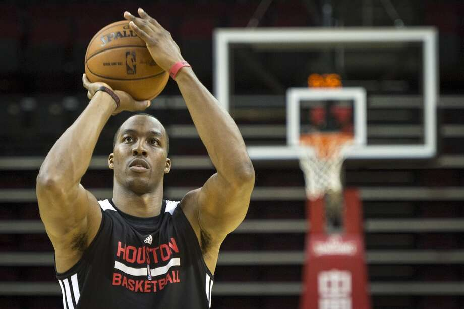 Rockets center Dwight Howard shoots free throws. Photo: Smiley N. Pool, Houston Chronicle