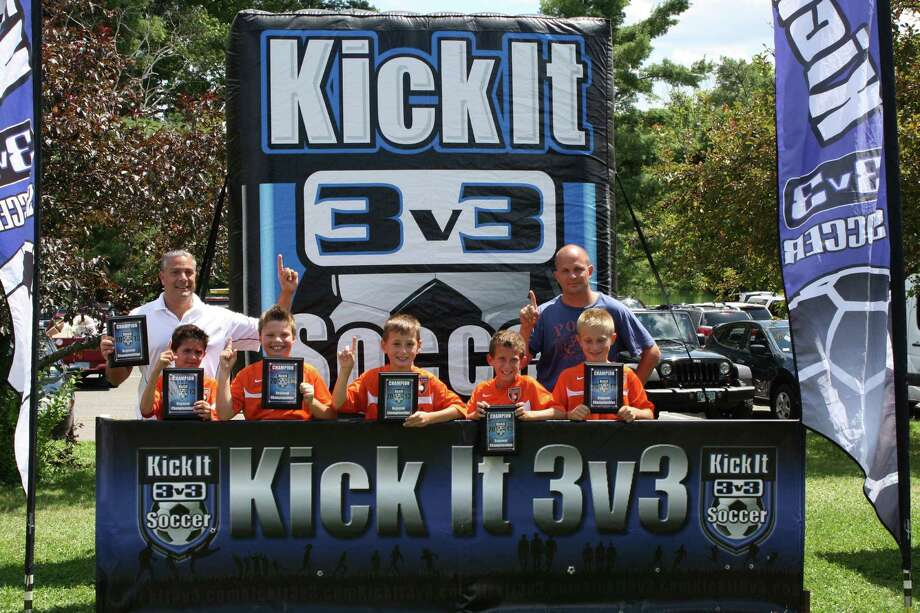 NY Elite Trifecta Boys U10 soccer team soccer team captured the New England Regional 3V3 Championships in Weathersfield, CT in August. Coach Paul Milazzo, Gabriel Compa (Clifton Park), Anthony Milazzo (Brunswick), Michael Yates (Ballston Lake), Josh Mitchell (Clifton Park), Grant Baker (Stillwater) and Coach Damian Compa.