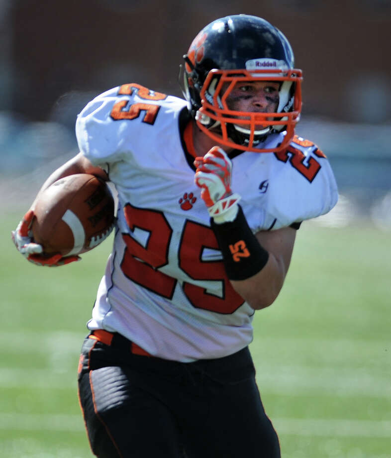 St.Joseph football versus Ridgefield Saturday, Sept. 28, 2013 at St. Joseph High School in Trumbull, Conn. Photo: Autumn Driscoll / Connecticut Post