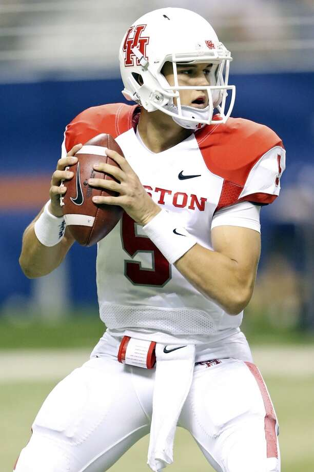 University of Houston's John O'Korn looks to pass against UTSA during first half action Saturday Sept. 28, 2013 at the Alamodome. Photo: San Antonio Express-News
