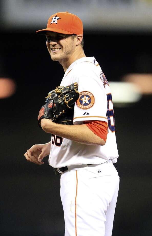 Astros relief pitcher Paul Clemens (56) between pitches. Photo: Karen Warren, Houston Chronicle