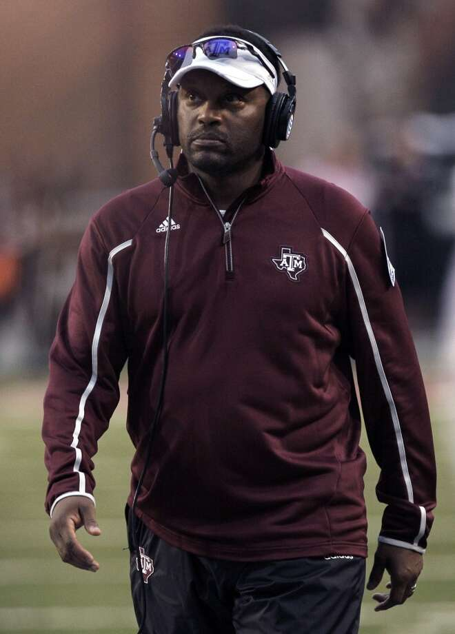 Texas A&M coach Kevin Sumlin walks the sideline. Photo: Danny Johnston, Associated Press