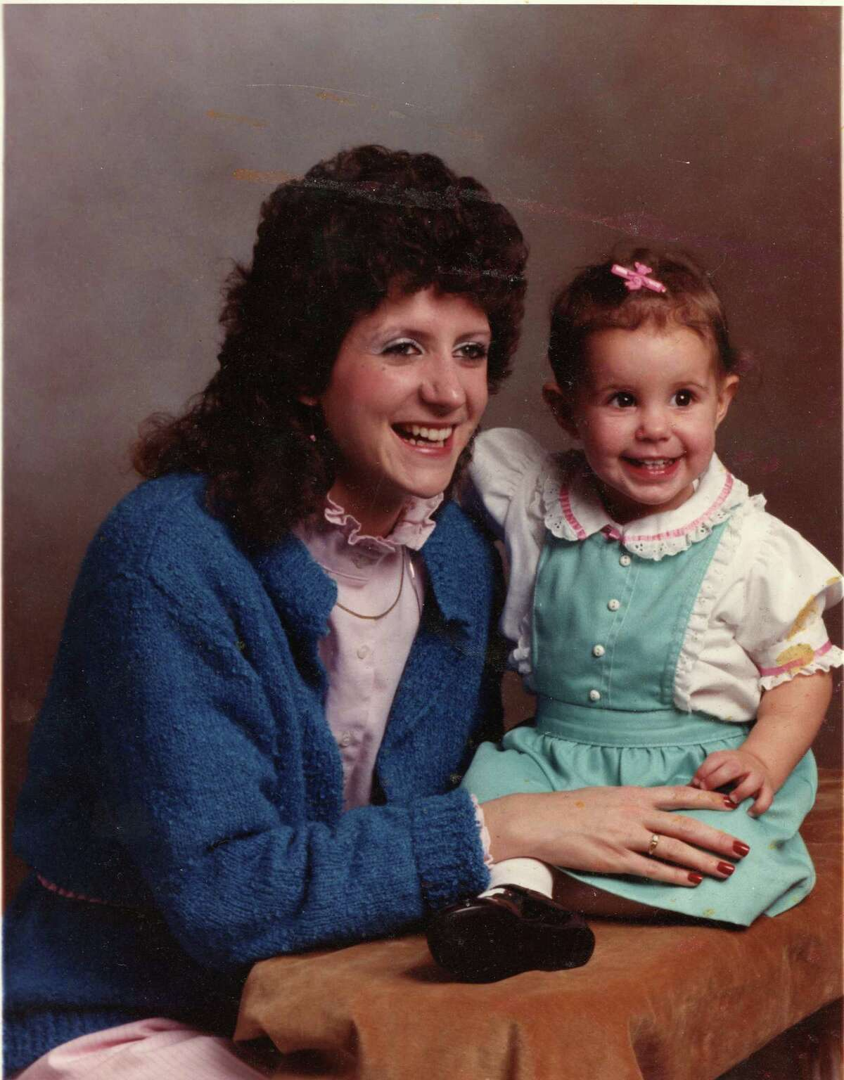 Wendy Davis with her daughter Amber at approx 18 months.