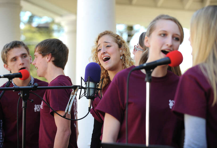 The vocal ensemble Sound Affect, based in New Haven, entertains at the 36th Annual Harvest Festival on Paradise Green in Stratford, Conn. on Sunday, September 29, 2013. Photo: Brian A. Pounds / Connecticut Post