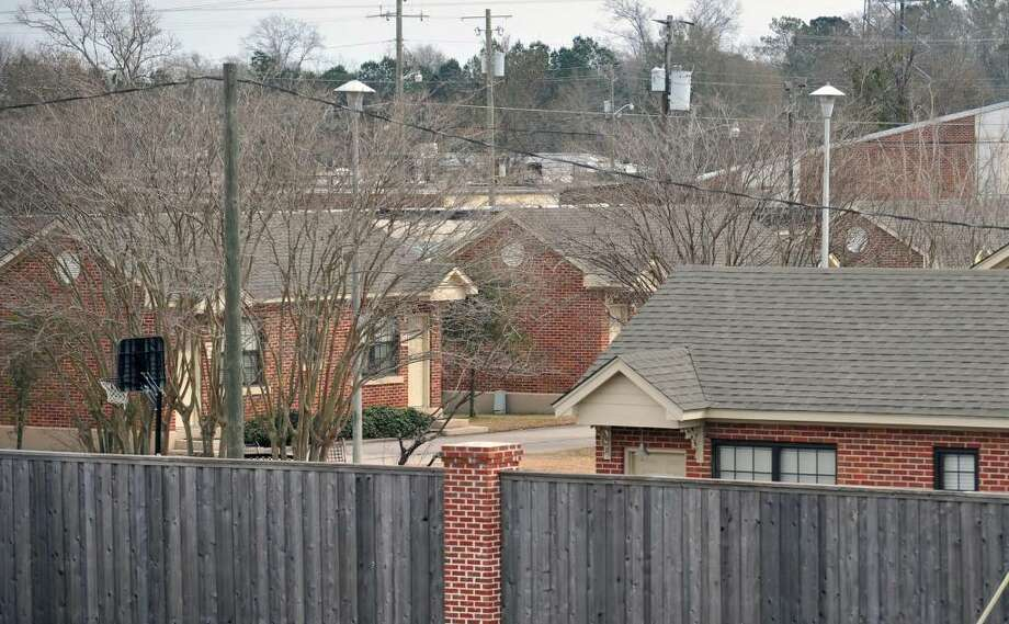 In this photo taken on Friday, Jan. 15, 2010,  cottages at the Gentle Path facility in Hattiesburg, Miss., is shown. Celebrity Web site radaronline.com says the next issue of the National Enquirer will feature photos of the world's No. 1 golfer at Pine Grove Behavioral Health and Addiction Services in Hattiesburg.  The site posted eight photos on Wednesday, Jan. 20, 2010,  that purport to show Woods _ wearing white shorts and a dark hooded sweatshirt _ at the Pine Grove facility where the Gentle Path sexual addiction program is conducted. (AP Photo/The Hattiesburg American, Ryan Moore)  ** MANDATORY CREDIT, MAGS OUT, NO SALES ** Photo: Ryan Moore, AP / Ryan Moore/The Hattiesburg American