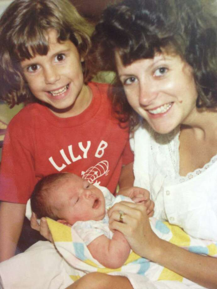 Wendy Davis in the hospital after Dru was born in 1988.  Her daughter Amber was 6 in this photo. Photo: Photos Courtesy Of Wendy Davis / photos courtesy of Wendy Davis