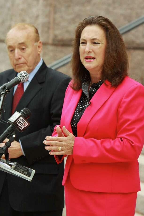 (For the Chronicle/Gary Fountain, September 30, 2013)