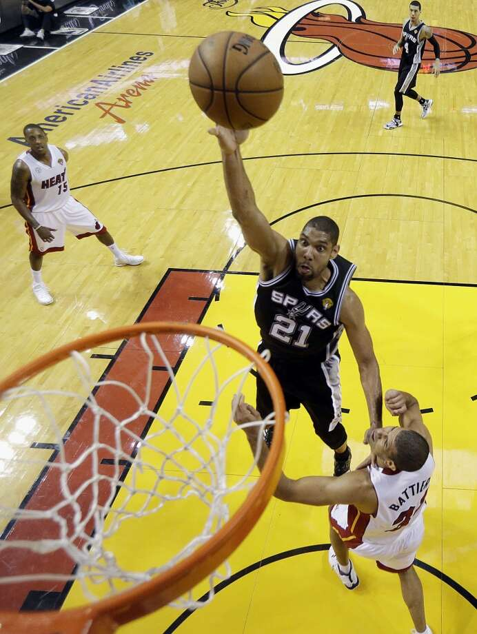 Tim Duncan has a guaranteed contract this season with the Spurs and a player option next season. Photo: Lynne Sladky, Associated Press