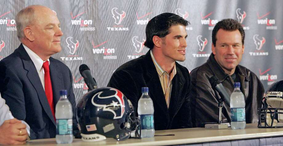 The Texans held a news conference Feb. 10, 2006 to announce they were exercising an $8 million option on David Carr's contract. In attendance were (from left) Texans owner Bob NcNair, Carr and first-year head coach Gary Kubiak. Photo: Craig Hartley, For The Chronicle / Freelance