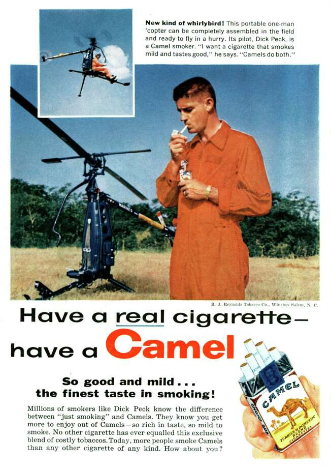 Advertisement for Camel cigarettes with Dick Peck, pilot of portable one-man copter, July 1958. Photo: Apic, Getty Images / ©APIC