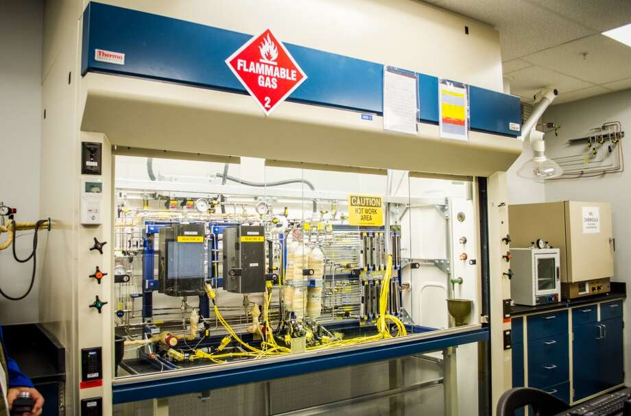 A scale acedic acid plant tests catalysts during the opening of LyondellBasell's Houston Technology Center. Photo: Jamaal Ellis, For The Chronicle