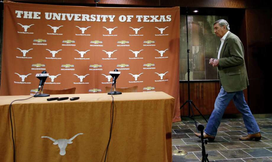 Texas athletic director DeLoss Dodds arrives for a news conference where he formally announced his retirement, Tuesday,  Oct. 1, 2013, in Austin, Texas. Dodds, who has been with Texas for 32 years, will step down in August 2014. (AP Photo/Eric Gay) Photo: Eric Gay, Associated Press / AP