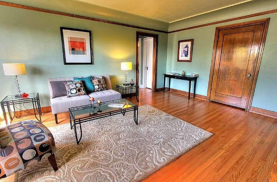 Living room of 1631 16th Ave., No. 309. It's listed for $279,950. Photo: Courtesy Georgia Selfridge, Windermere Real Estate