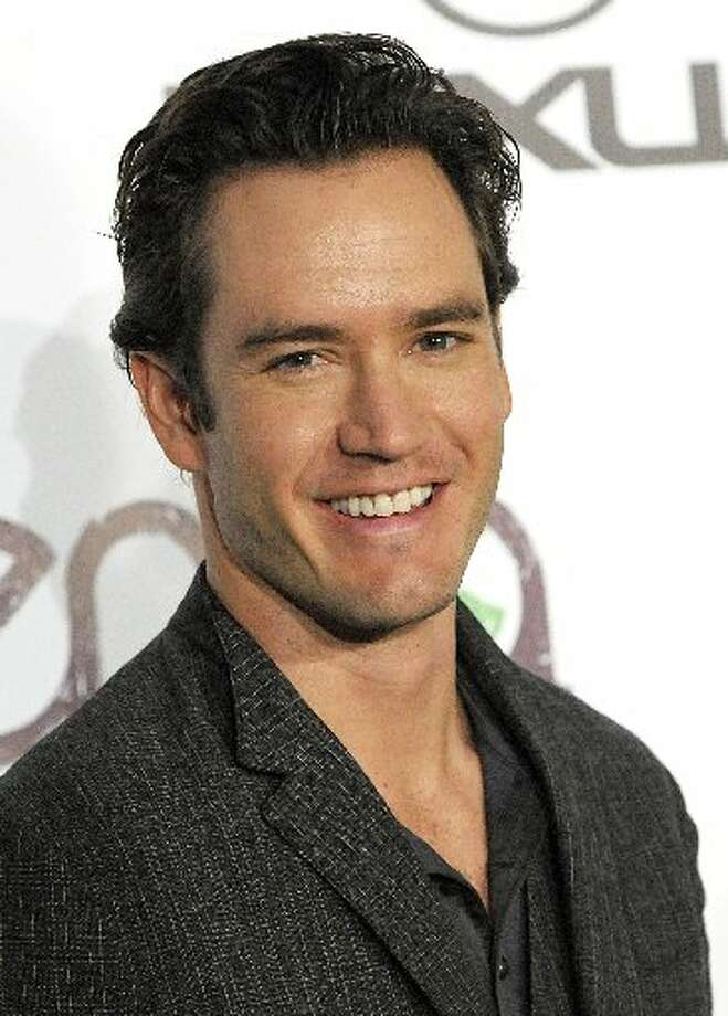 Mark-Paul Gosselaar played the character of Brad in two episodes during 1988.