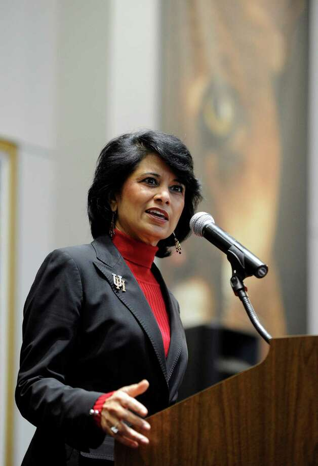 University of Houston president and chancellor Renu Khator speaks during a press conference. Photo: Pat Sullivan, STF / AP