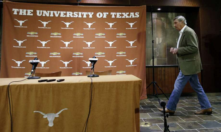 Texas athletic director DeLoss Dodds, arriving for a news conference in Austin, has led the Longhorns more than 32 years. Photo: Eric Gay / Associated Press