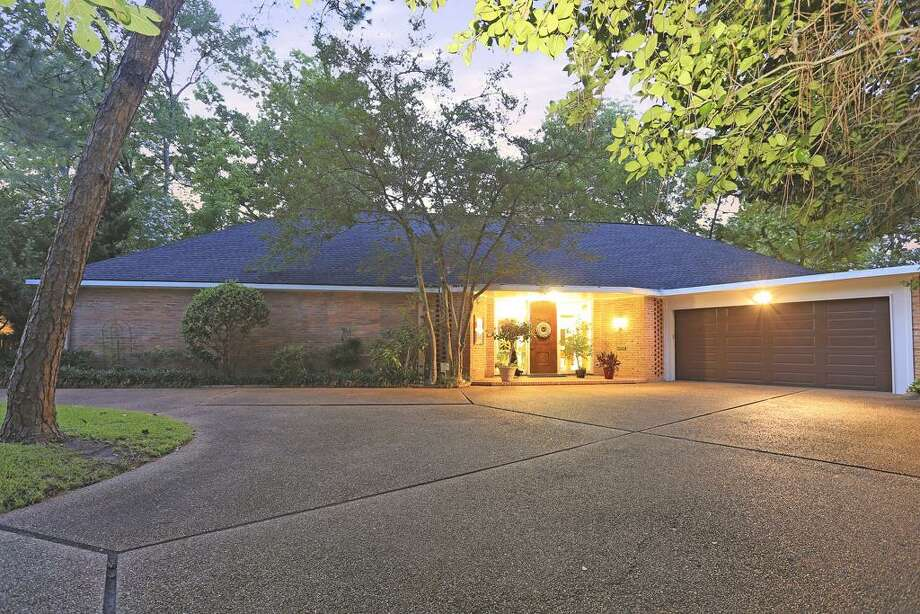 Listing agent:Kelley Austin  See the listing here. Photo: HAR
