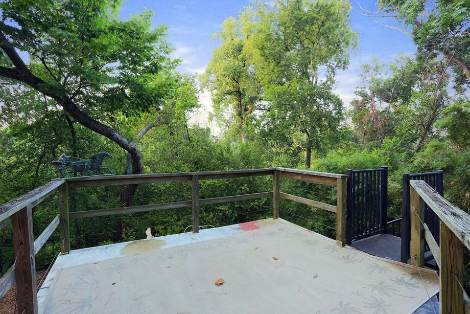 Listing agent:Kelley Austin