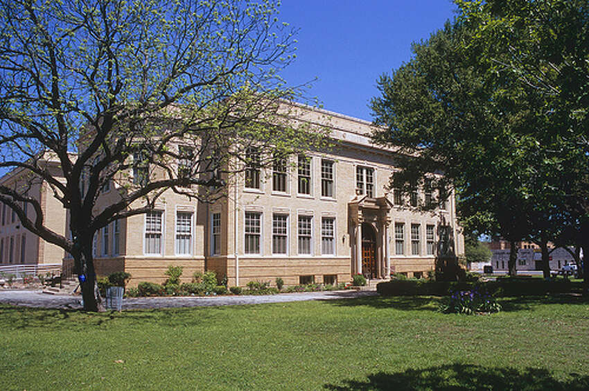 Kerrville Courthouse, Kerrville The property is allegedly haunted by a woman who was killed by her boyfriend. Her boyfriend hanged himself outside of the courthouse after the killing. Photo:Chris Vreeland, Flickr