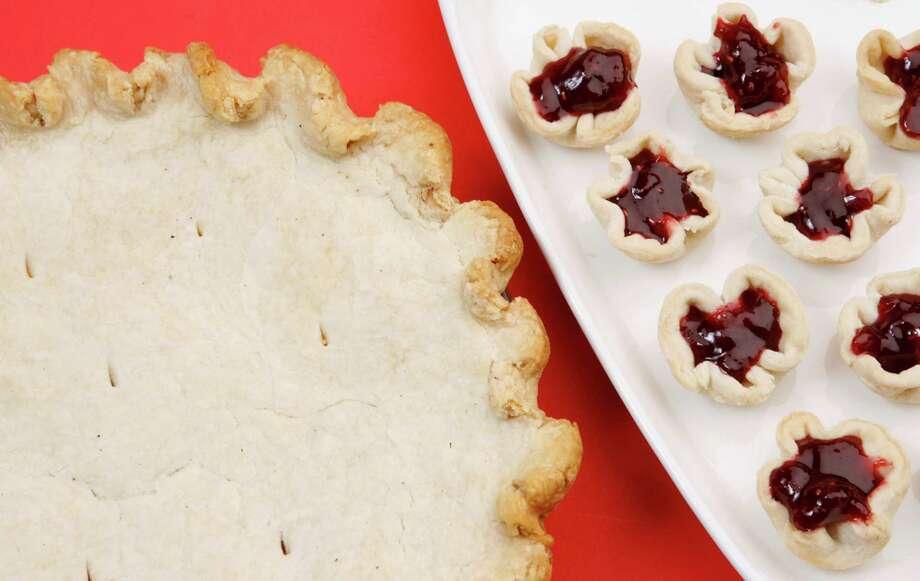 Pie crust and tarts for Favorite Recipe  shown Friday, Feb. 10, 2006. (Melissa Phillip/Chronicle) Photo: MELISSA PHILLIP, STAFF / Houston Chronicle